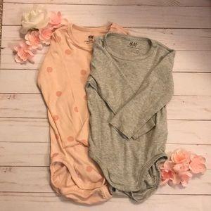 Lot of organic cotton long sleeve onesies